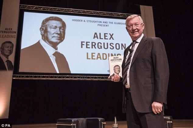 Sir Alex: 'De Gea se giup MU vo dich Premier League mua nay' hinh anh 2