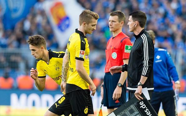 Dortmund bi cam hoa 2-2 du Aubameyang lap cu dup hinh anh