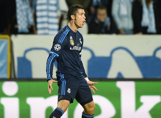Ronaldo quan binh ky luc cua Raul, vuot moc 500 ban thang hinh anh