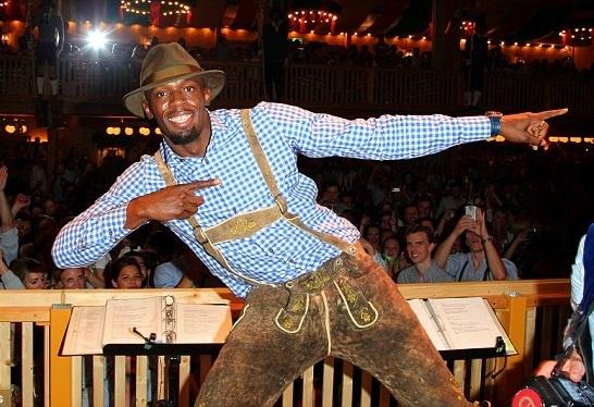 Usain Bolt gay chu y tai le hoi bia hinh anh