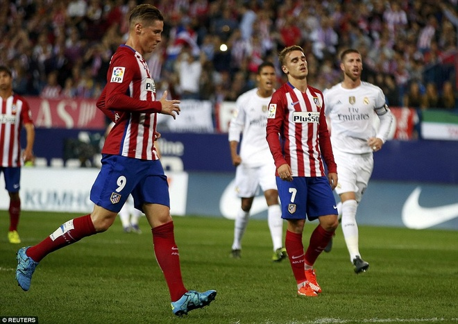Ronaldo choi mo nhat, Real bi kim chan o derby Madrid hinh anh 7
