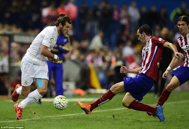 Ronaldo choi mo nhat, Real bi kim chan o derby Madrid hinh anh 11