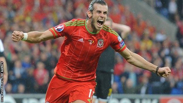 Gareth Bale nhan cung luc 3 danh hieu ca nhan hinh anh 1