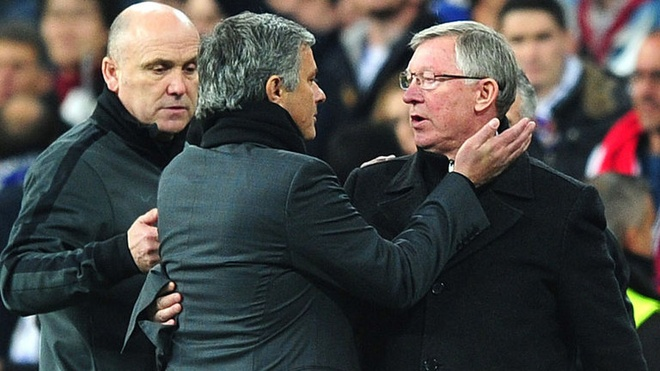 Mourinho: 'Sir Alex khong the thuyet phuc toi toi MU' hinh anh 1