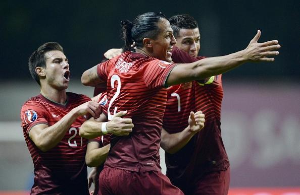 Ronaldo im tieng, Bo Dao Nha van gianh ve du VCK EURO 2016 hinh anh 5