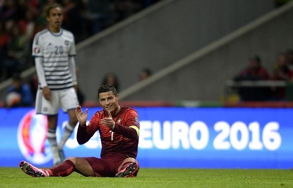 Ronaldo im tieng, Bo Dao Nha van gianh ve du VCK EURO 2016 hinh anh 2
