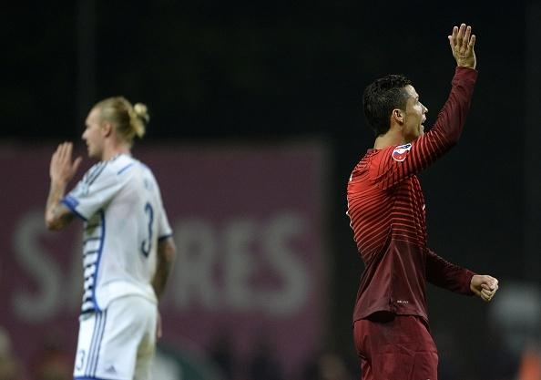 Ronaldo im tieng, Bo Dao Nha van gianh ve du VCK EURO 2016 hinh anh 3