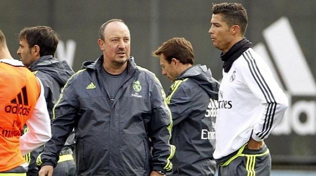 HLV Benitez dang co mau thuan voi Ronaldo hinh anh