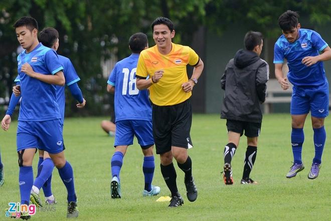 Thai Lan vung ngoi dau sau tran thang Viet Nam 3-0 hinh anh 17