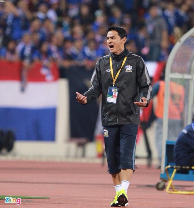 Thai Lan vung ngoi dau sau tran thang Viet Nam 3-0 hinh anh 50