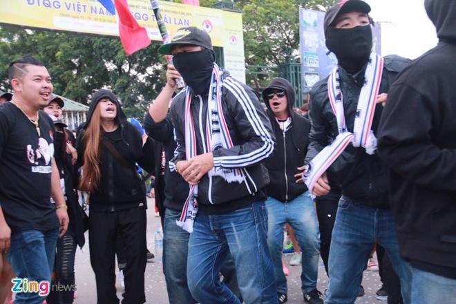 Thai Lan vung ngoi dau sau tran thang Viet Nam 3-0 hinh anh 8