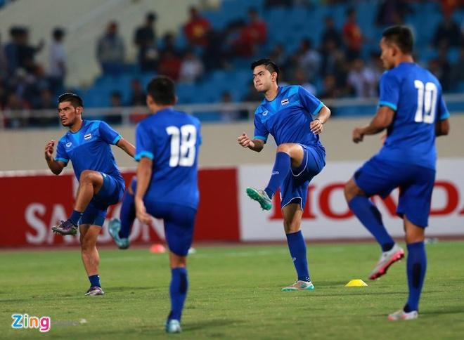 Thai Lan vung ngoi dau sau tran thang Viet Nam 3-0 hinh anh 28