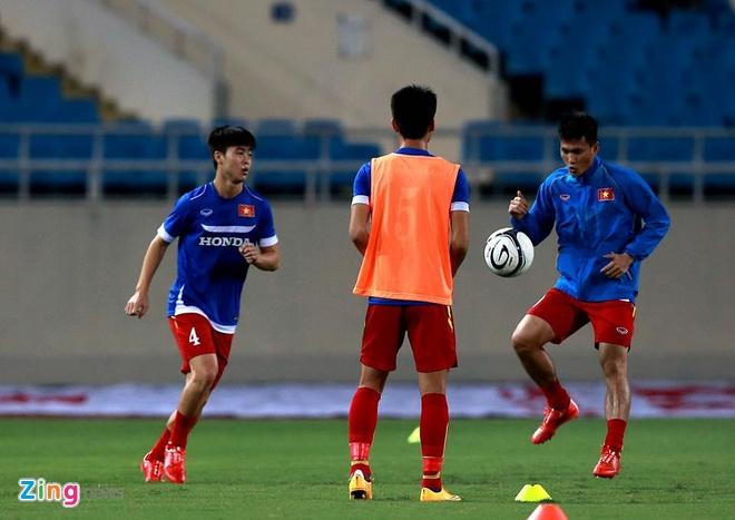 Thai Lan vung ngoi dau sau tran thang Viet Nam 3-0 hinh anh 29