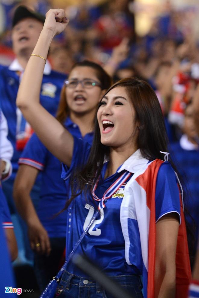 Thai Lan vung ngoi dau sau tran thang Viet Nam 3-0 hinh anh 23