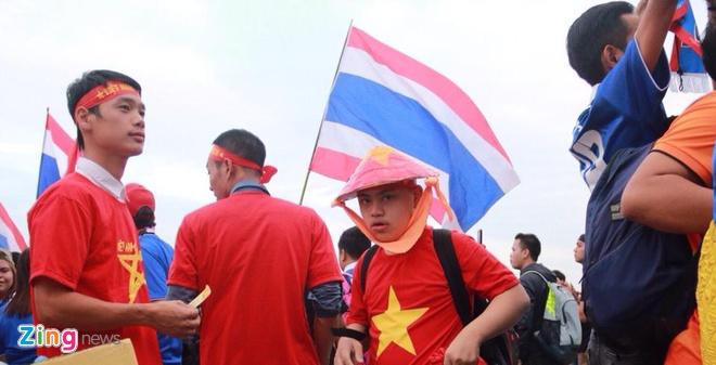 Thai Lan vung ngoi dau sau tran thang Viet Nam 3-0 hinh anh 12