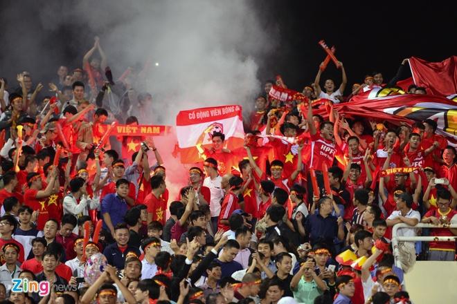 Thai Lan vung ngoi dau sau tran thang Viet Nam 3-0 hinh anh 42