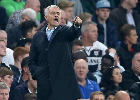 Mourinho goi an phat cua FA la su o nhuc hinh anh 2