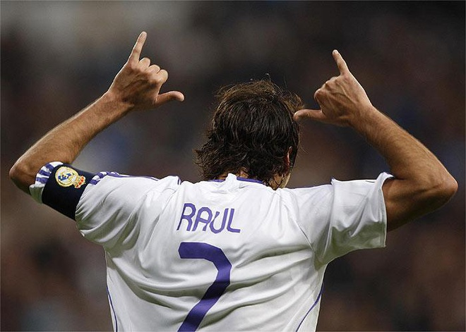 Raul - Tu tho dien tuong lai thanh huyen thoai bong da hinh anh 1