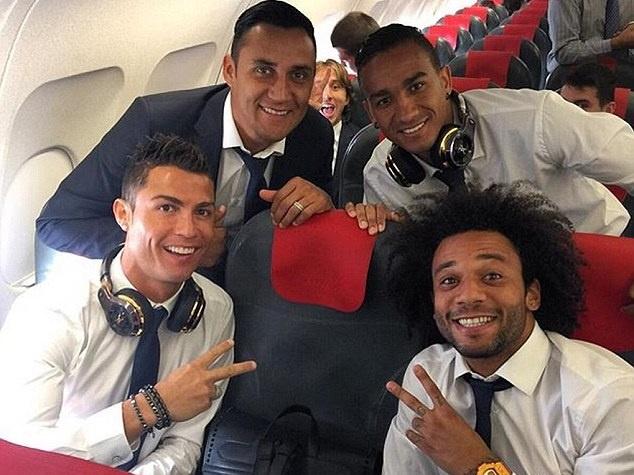 Ronaldo cung dong doi san sang chinh phuc PSG hinh anh