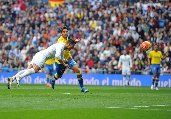 Ronaldo bien Las Palmas thanh nan nhan thu 30 tai La Liga hinh anh 1
