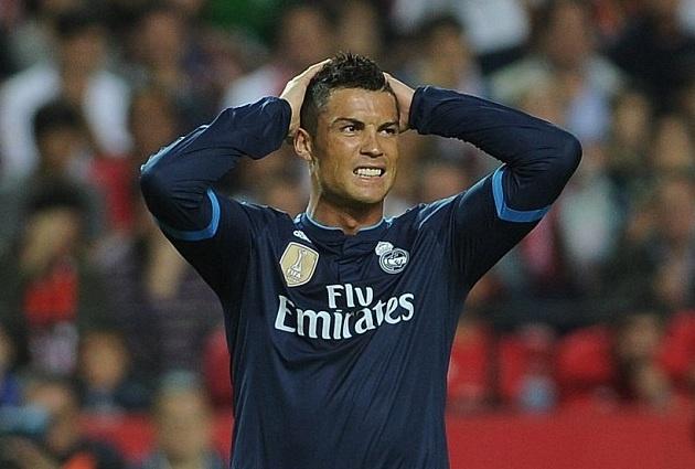 Ronaldo im tieng, Real thua tran dau tien duoi thoi Benitez hinh anh