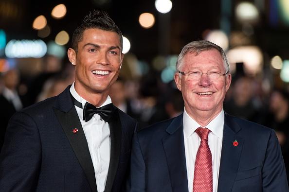 Nhieu huyen thoai toi du le ra mat phim cua Ronaldo hinh anh