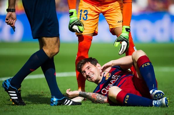 Diem tin 11/11: 'Messi khong nen mao hiem voi ban than' hinh anh