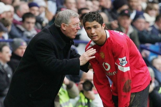 Diem tin 13/11: Ronaldo tiet lo tung gap van de voi Sir Alex hinh anh