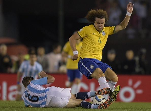 Hoa Brazil 1-1, Argentina roi xuong vi tri thu 8 hinh anh