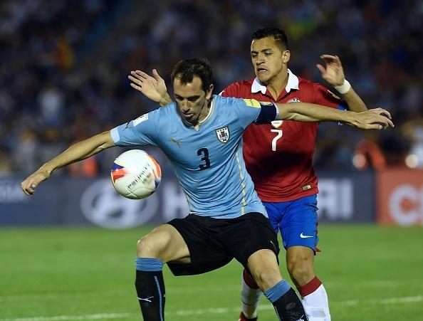 Douglas Costa thang hoa, Brazil danh bai Peru 3-0 hinh anh 10