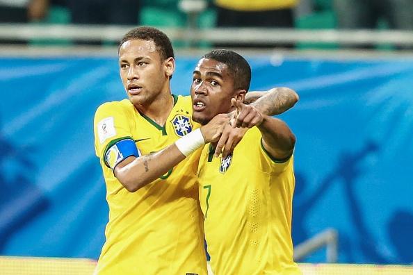 Douglas Costa thang hoa, Brazil danh bai Peru 3-0 hinh anh 1