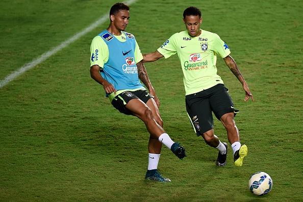 Douglas Costa thang hoa, Brazil danh bai Peru 3-0 hinh anh 3