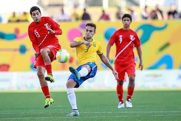 Douglas Costa thang hoa, Brazil danh bai Peru 3-0 hinh anh 4
