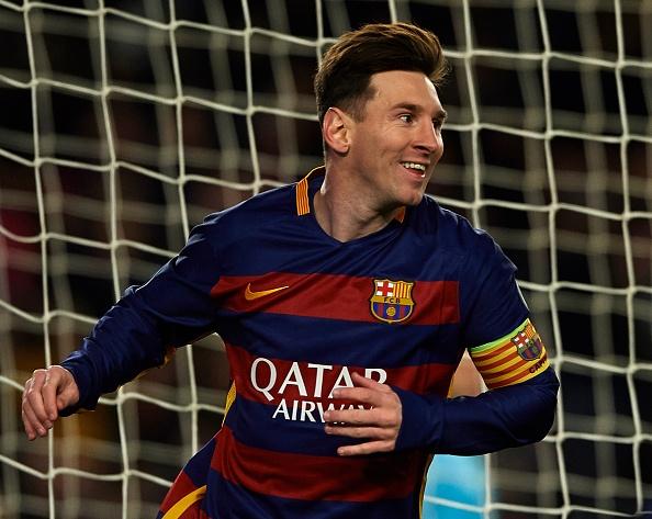 Ronaldo, Messi lan dau sat canh o doi hinh tieu bieu Cup C1 hinh anh 9