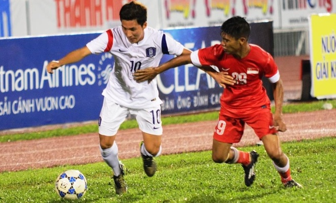 Thang U21 Singapore 3-0, U19 Han Quoc gap HAGL o chung ket hinh anh