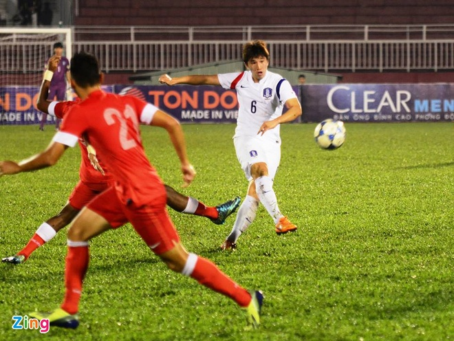 Thang U21 Singapore 3-0, U19 Han Quoc gap HAGL o chung ket hinh anh 14