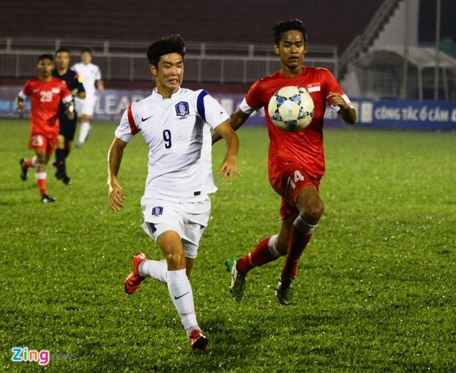 Thang U21 Singapore 3-0, U19 Han Quoc gap HAGL o chung ket hinh anh 6