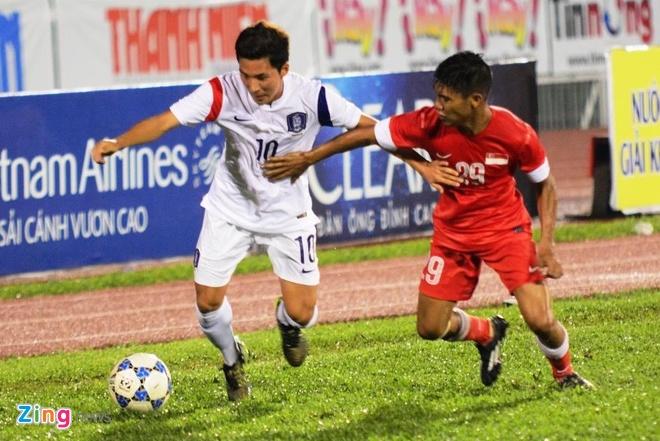 Thang U21 Singapore 3-0, U19 Han Quoc gap HAGL o chung ket hinh anh 7