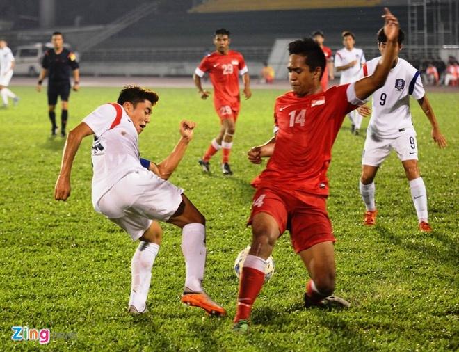 Thang U21 Singapore 3-0, U19 Han Quoc gap HAGL o chung ket hinh anh 8