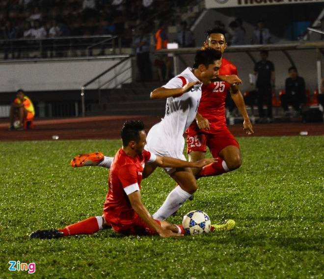 Thang U21 Singapore 3-0, U19 Han Quoc gap HAGL o chung ket hinh anh 9