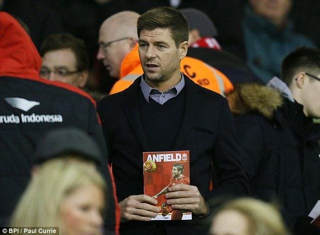 Steven Gerrard tro lai tap luyen cung Liverpool hinh anh 8