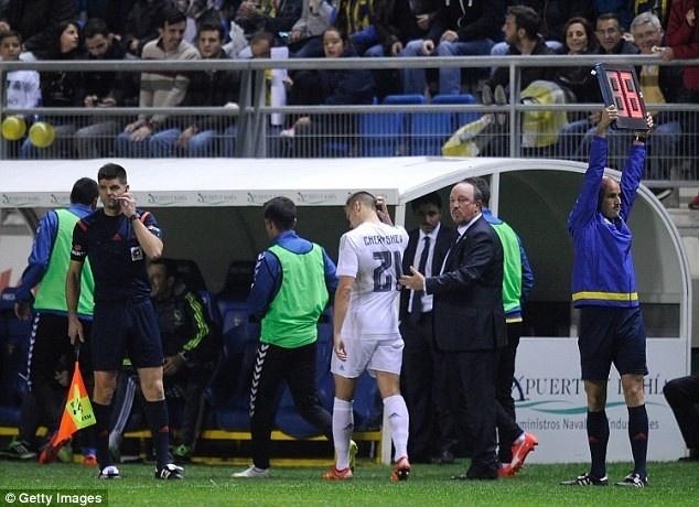 Bo ba Benzema-Bale-Ronaldo khai hoa, Real ha Getafe 4-1 hinh anh 3