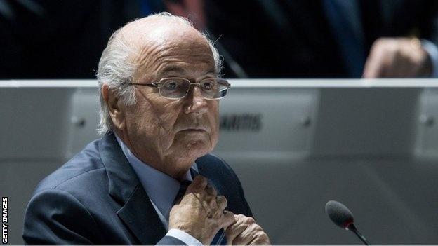 FBI dieu tra Sepp Blatter trong vu hoi lo 100 trieu USD hinh anh