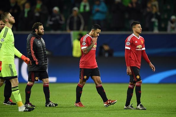 MU xuong Europa League, Ronaldo cung Real lap ky luc hinh anh