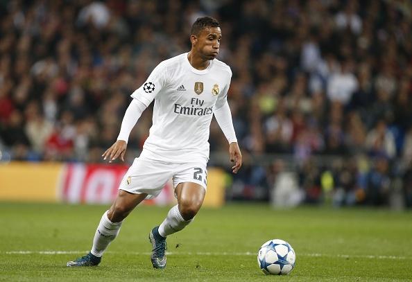 Ky luc gia Ronaldo dan dau doi hinh hay nhat vong 6 Cup C1 hinh anh 5