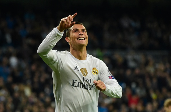 Diem tin 11/12: Ronaldo de ngo kha nang gia nhap Barca hinh anh 1