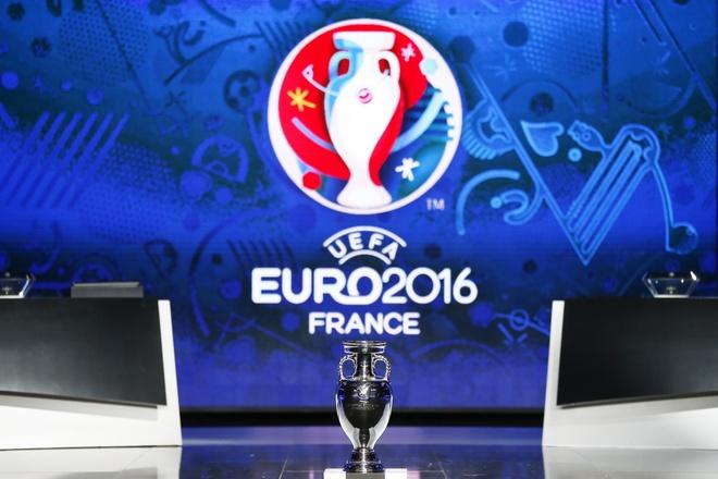 Hom nay UEFA boc tham vong bang EURO 2016 hinh anh