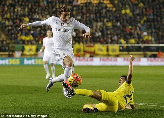 Thua Villarreal 0-1, Real bo lo co hoi bam duoi Barca hinh anh 9