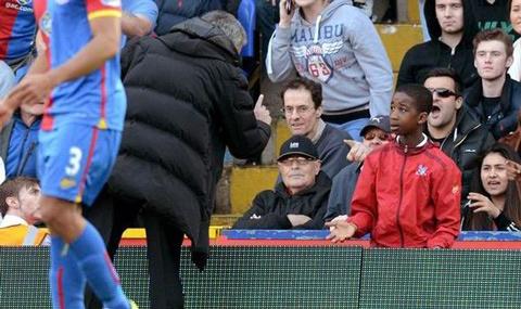 Mourinho goi cau be nhat bong cua Leicester la su o nhuc hinh anh 1