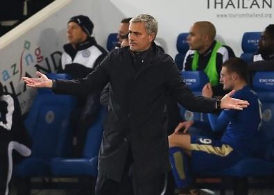 Mourinho goi cau be nhat bong cua Leicester la su o nhuc hinh anh